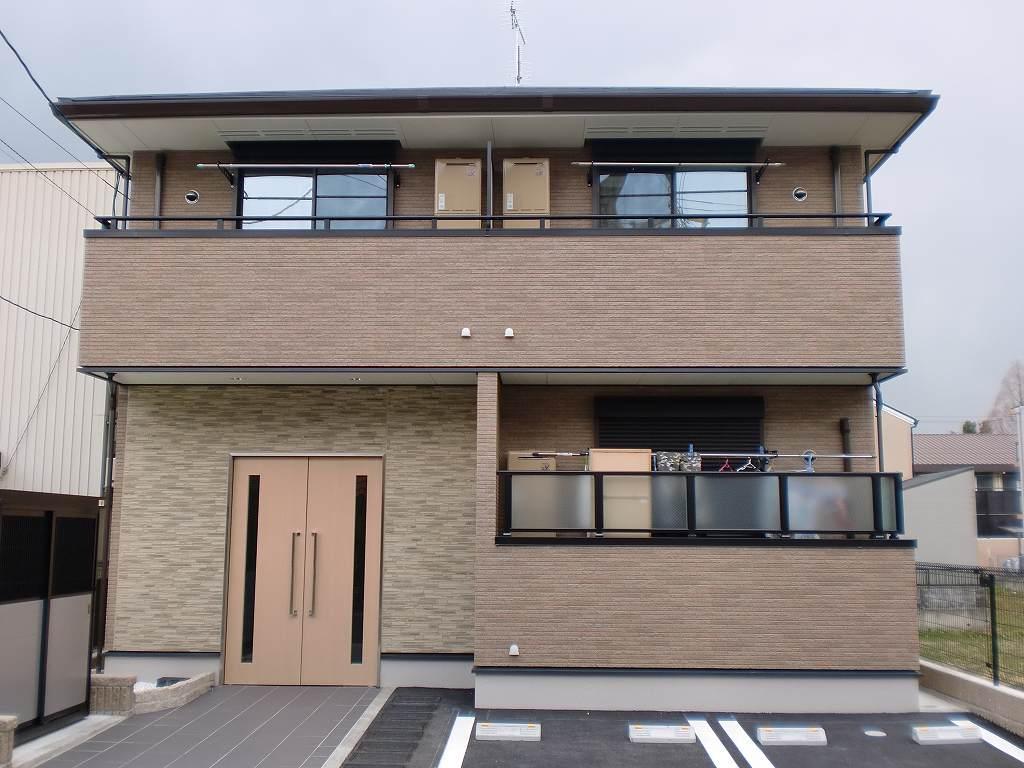 勧修寺平田町アパート外観写真