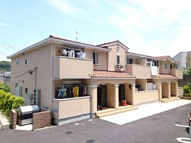 稲村ガ崎5丁目アパート外観写真
