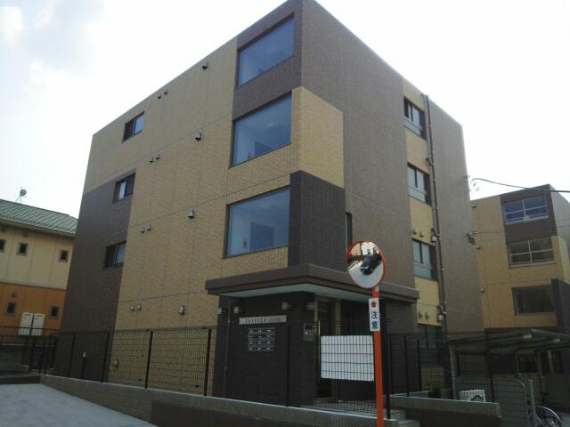 杉田4丁目マンション(3号棟)外観写真