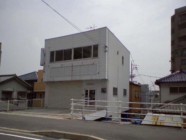 清須市助七東山中倉庫付事務所外観写真