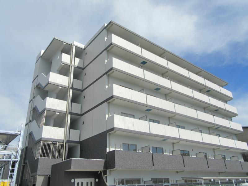 上鳥羽堀子町マンション外観写真