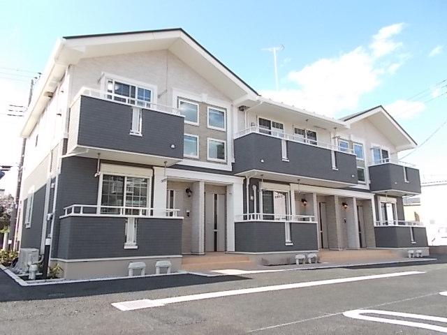 三里塚光ケ丘アパートA外観写真