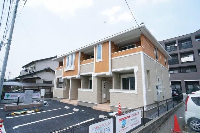 鶴田2丁目アパート外観写真
