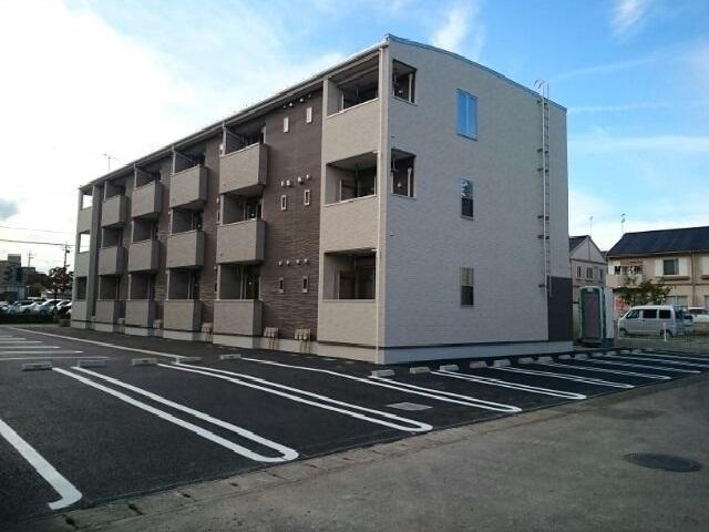 平松本町アパート外観写真