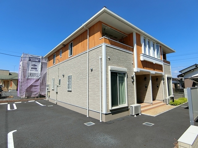大泉町富士アパート外観写真