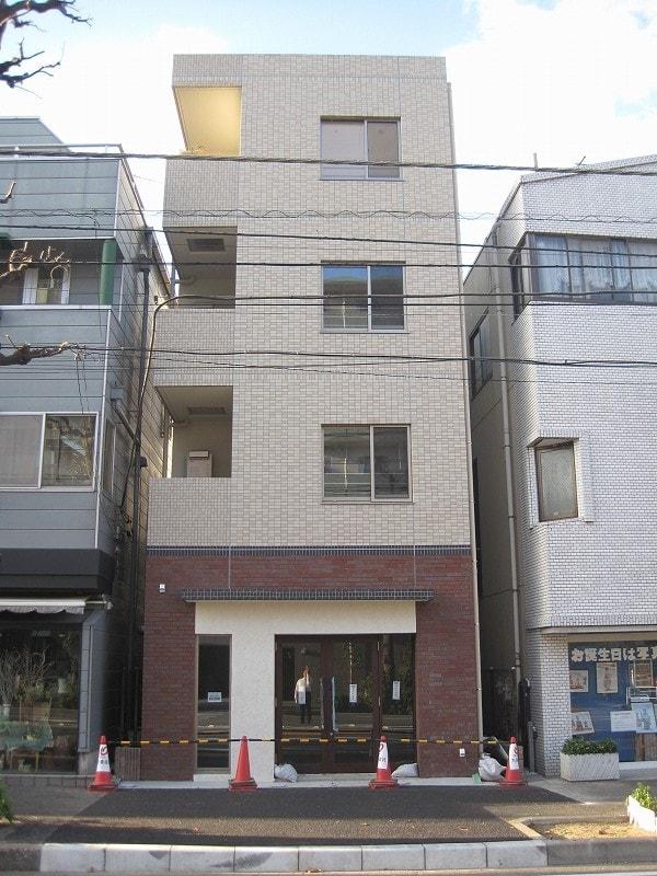 プラシード 横浜外観写真