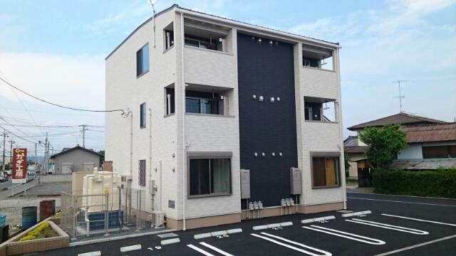 岩瀬川町アパート外観写真