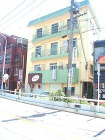秋葉町マンション外観写真