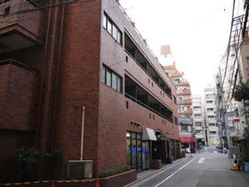 ロイヤルハイツ新宿御苑外観写真