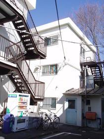 建部アパート外観写真