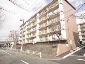新桜ケ丘ハイツ1号棟外観写真