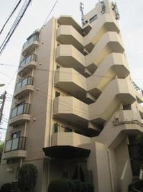フロント新代田外観写真