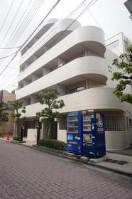 メインステージ梅島駅前外観写真