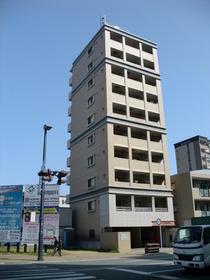 サンロージュ箱崎駅前外観写真