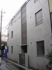 アパートメントアルファ外観写真
