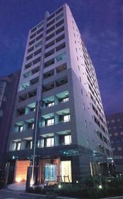 パレステュディオ新宿御苑駅前外観写真