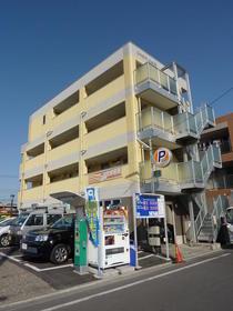 コンフォート鈴木 301号室の外観