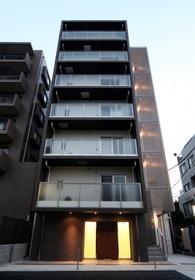 ラグジュアリーアパートメント王子神谷外観写真
