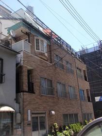中野ビル201号室外観写真