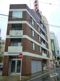 加賀美ビル 302外観写真