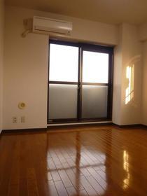 アーバンハイツ新倉 604外観写真