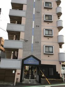 スカイコート神奈川新町外観写真