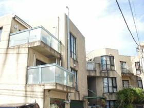 ワン・ライノ・アパートメントハウス外観写真