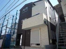 新宿三丁目戸建外観写真