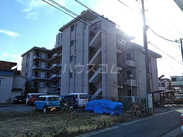 川村ロイヤルマンション外観写真