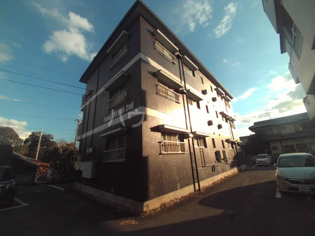 ファミール高須2棟外観写真