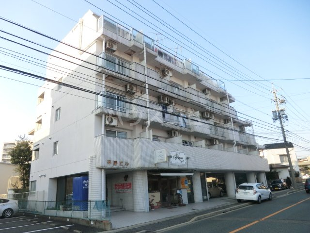 7th Ave外観写真
