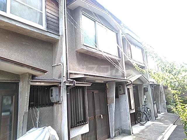 西ノ京中保町33テラスハウス外観写真
